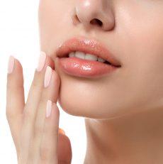 Domowe sposoby na piękne usta