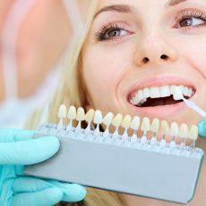 Czym jest implant? W jaki sposób jest zakładany?